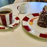 ラ・ポーズの森 カフェ ラ・ポーズ - ケーキセット