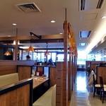 北海道フードレストラン 銀座ライオン - テーブル席