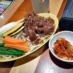 松尾ジンギスカン - 特上ラムジンギスカン(160g)(2人前)& 特製キムチ