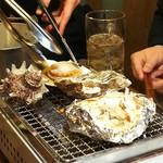 貝焼酒場 カイフォルニア - ホタテ、牡蠣、サザエ、