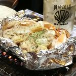 貝焼酒場 カイフォルニア - 蟹味噌甲羅の海鮮焼き