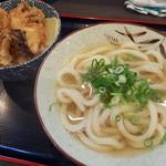 栄屋丸 - 料理写真:きのこ天丼セット・温うどん(550円)