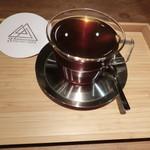 スリーピークスカフェ - ドリップコーヒー330円