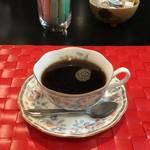 ヒーリングカフェ あんず - 「ホットコーヒー」(食後は200円)。