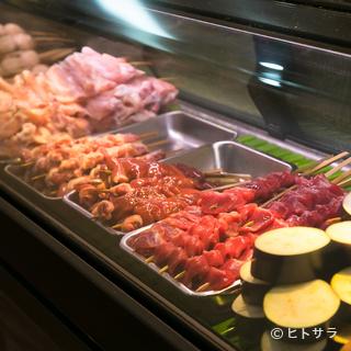 新鮮な県内産の鶏肉をお店で串打ちし、極上の焼鳥に!