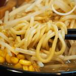 らーめん 津志 - 麺アップ