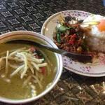 バンハオ - 料理写真:ゲーンキョーワン、カオガッパオ