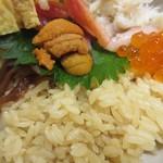 にぎにぎ一 - 赤酢の酢飯♪