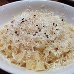 イタリアンバール Rotaia - 「Pasta」パルミジャーノ・レッジャーノ