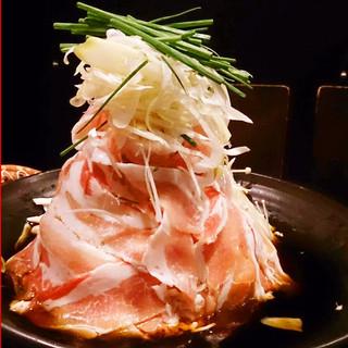 山盛りタワー豚バラ鍋