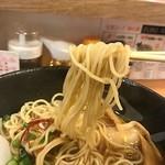 麺家 不忘 - 麺は丸麺ストレート