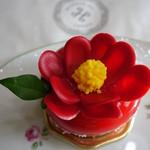 四季菓子の店 HIBIKA - 春待ち苺 あまおうの贅沢ショートケーキ