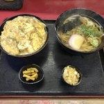 権八 - ミニ丼セット900円税込かけうどん・親子丼