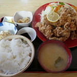 丸金食堂 - 料理写真:から揚げ定食950円