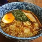 大勝軒直伝 金太郎 - まずつけ汁が、卵は半熟。