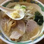 特麺コツ一丁ラーメン - ラーメン 麺少なめ 700円 ニンニク