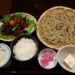 奥藤本店 - 蕎麦と鳥もつ煮のセット