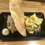 炭焼 やきとん なみ平 - 2色のポテトサラダ ¥380