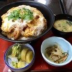つる吉 - 料理写真:かつ丼 960円内税