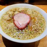 ウミガメ食堂 - 料理写真:ウミガメ食堂(ワンタン麺 850円)