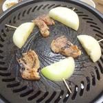 萬里 - ラム肩ロース、玉ねぎ(焼き)