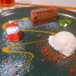 アトリエドフク - いちごサンタがかわいい!デザート