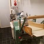 パスタ職人のいるイタリアン Pastaio Labo - 製麺機