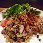 マハロ大人の隠れ家 - 鶏肉ソテーと雑穀のコチュジャントス
