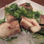 銀蕎麦 國定 - 味噌を挟んだ油揚げが面白い!