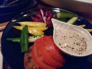 マハロ大人の隠れ家 大名店 - ひとくちスティック野菜のバーニャカウ