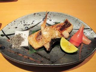 寿司栄 華やぎ - のどぐろの塩焼き。