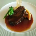 エンジェルビュー - 料理写真:牛ほほ肉の赤ワイン煮込み サツマイモのピューレと共にアップ
