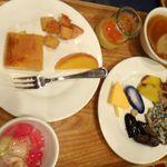 青森ワイナリーホテル - 朝食バイキング料理。青森ワイナリーホテル(青森県南津軽郡大鰐町)