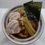 煮干鰮豚骨らーめん 嘉饌 - 正油ラーメン600円