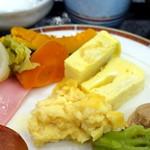 レストラン東北牧場 - 朝食ビュッフェ1,188円、蒸し野菜、青玉卵焼き、赤玉卵焼き、青玉スクランブルエッグ