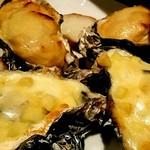 オイスターバー ゆいっとる - 焼き牡蠣 4種のチーズとうにひしお