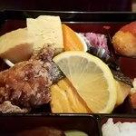 79322013 - 唐揚げ、焼魚、煮物