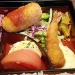 79322035 - 洋食弁当 海老フライとカニクリームコロッケ