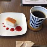 カフェ・クラッセ - 代官山スフレとブレンドコーヒーのセットで500円