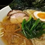 らーめん麺くま - 料理写真:熊らーめん 並