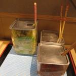博多天ぷら たかお - 昆布明太と浅漬けです