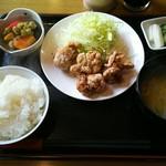 千丸 - 料理写真:から揚げ100g定食 ¥600