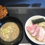 煮干乱舞 - 濃縮鶏煮干つけ麺   乱舞カレー2018