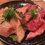 お肉屋さんの焼肉 まるやす - 上焼肉定食のカルビとロース♫別注文のミノです♫