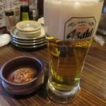 魚参 - まずはビールをチョイス