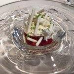 79333905 - デセール  苺のバリエーション ライムのジュレをアクセントに ショコラブランのエスプーマで覆って