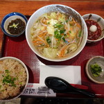 泡盛と沖縄料理 龍泉 - 野菜そば定食