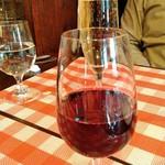 79334593 - 美味しいランチワイン 赤¥500 スパークリング¥600