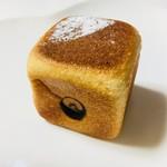 ベーカリーカフェ イチゴイチエ - クリームパン。