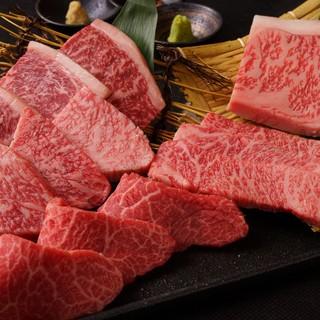 老舗の精肉店より厳選した黒毛和牛を1頭買い!!